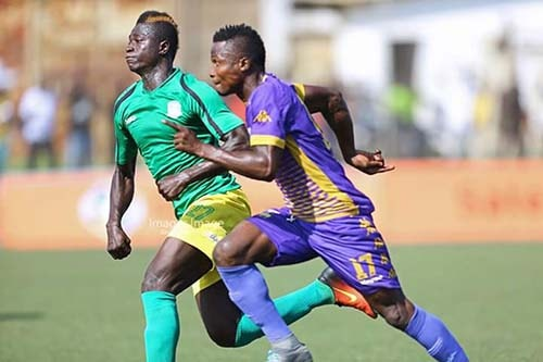 Anokye-Badu in action for Aduana Stars in Premier League match against Tema-Youth
